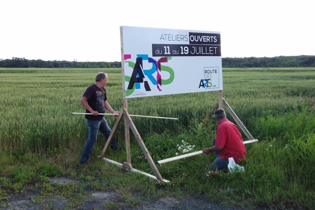 Installation des panneaux de routes